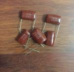 خازن 1 میکرو فاراد 250 ولت بستۀ 200 تایی